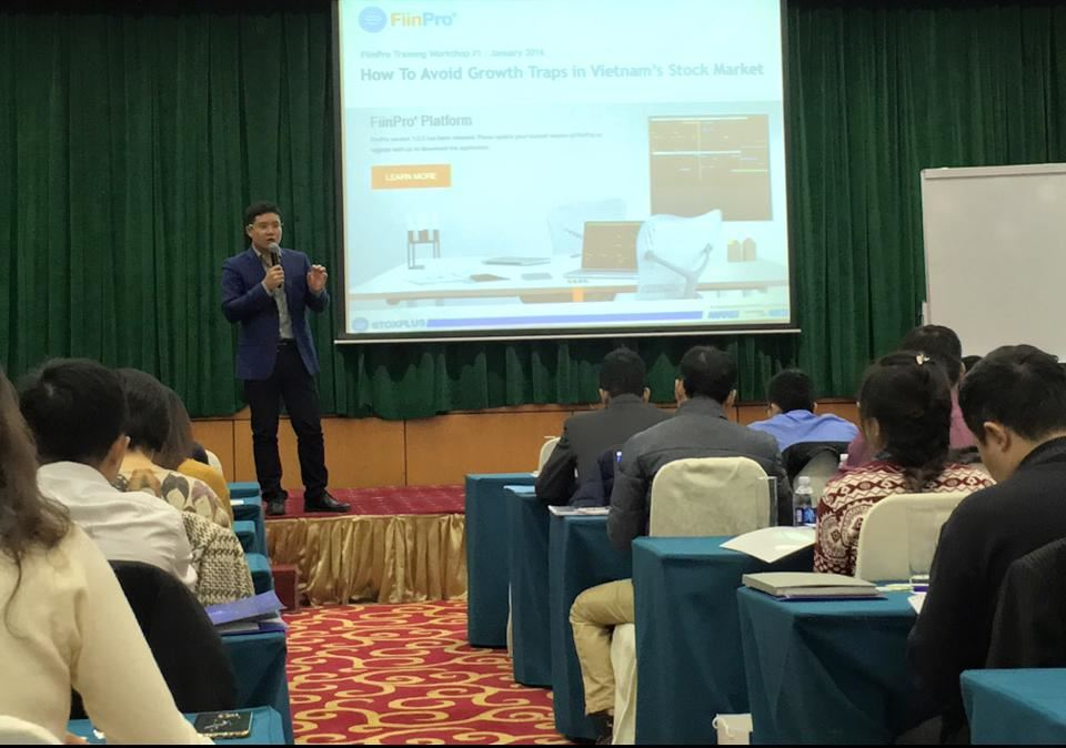"""How to Avoid Growth Traps in Vietnam's Stock Market"" Workshop Provides Participants Insights to Take Away"